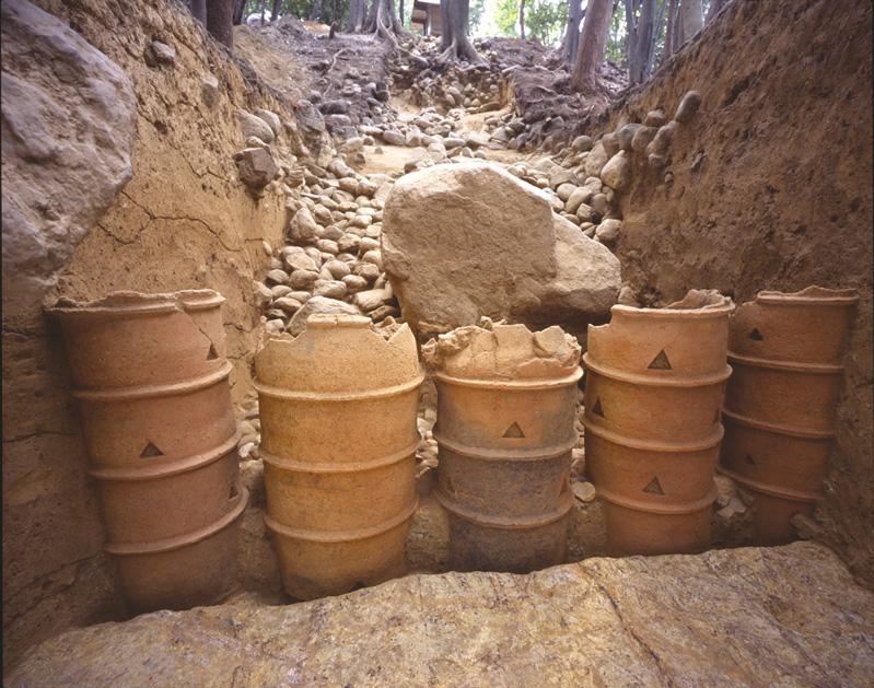 国史跡 中社古墳 埴輪列